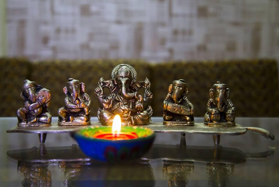 Book Online Pandit for GrihaPravesh Puja